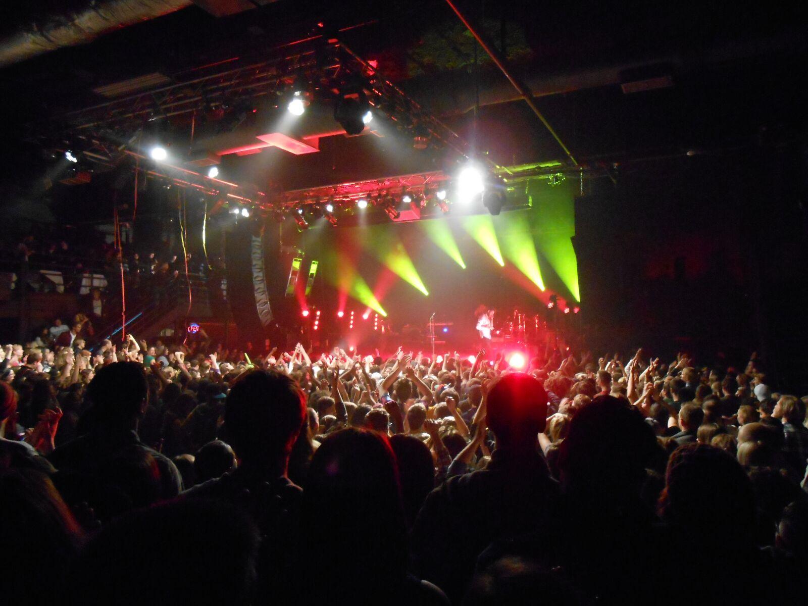 "Nikon Coolpix S4300 sample photo. ""Club, bar, nightclub"" photography"