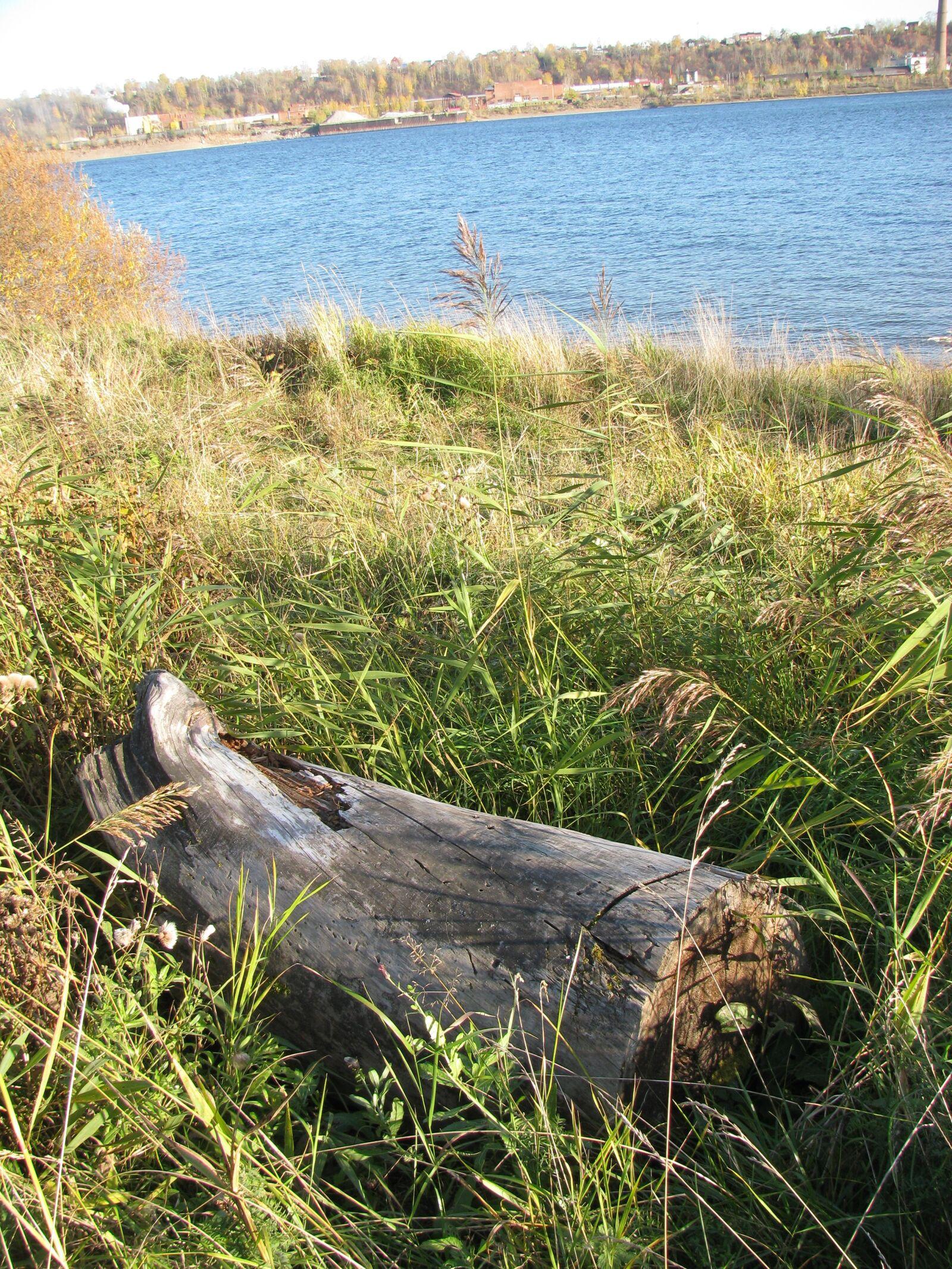 "Canon PowerShot SX110 IS sample photo. ""Autumn, river, nature"" photography"