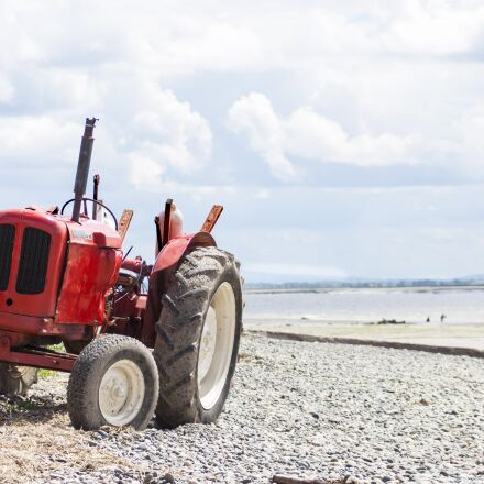 beach, tractor, vehicle, Canon EOS 500D