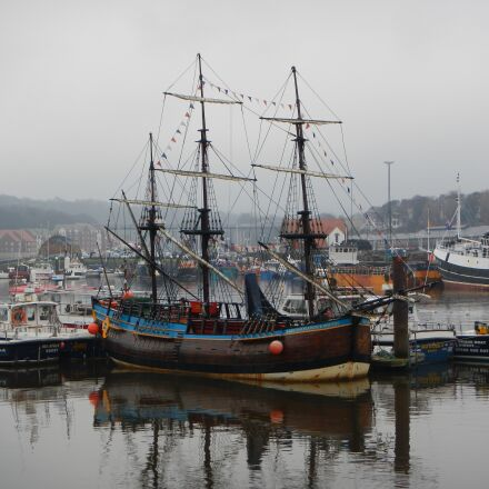 port, england, sailing vessel, Nikon COOLPIX AW100