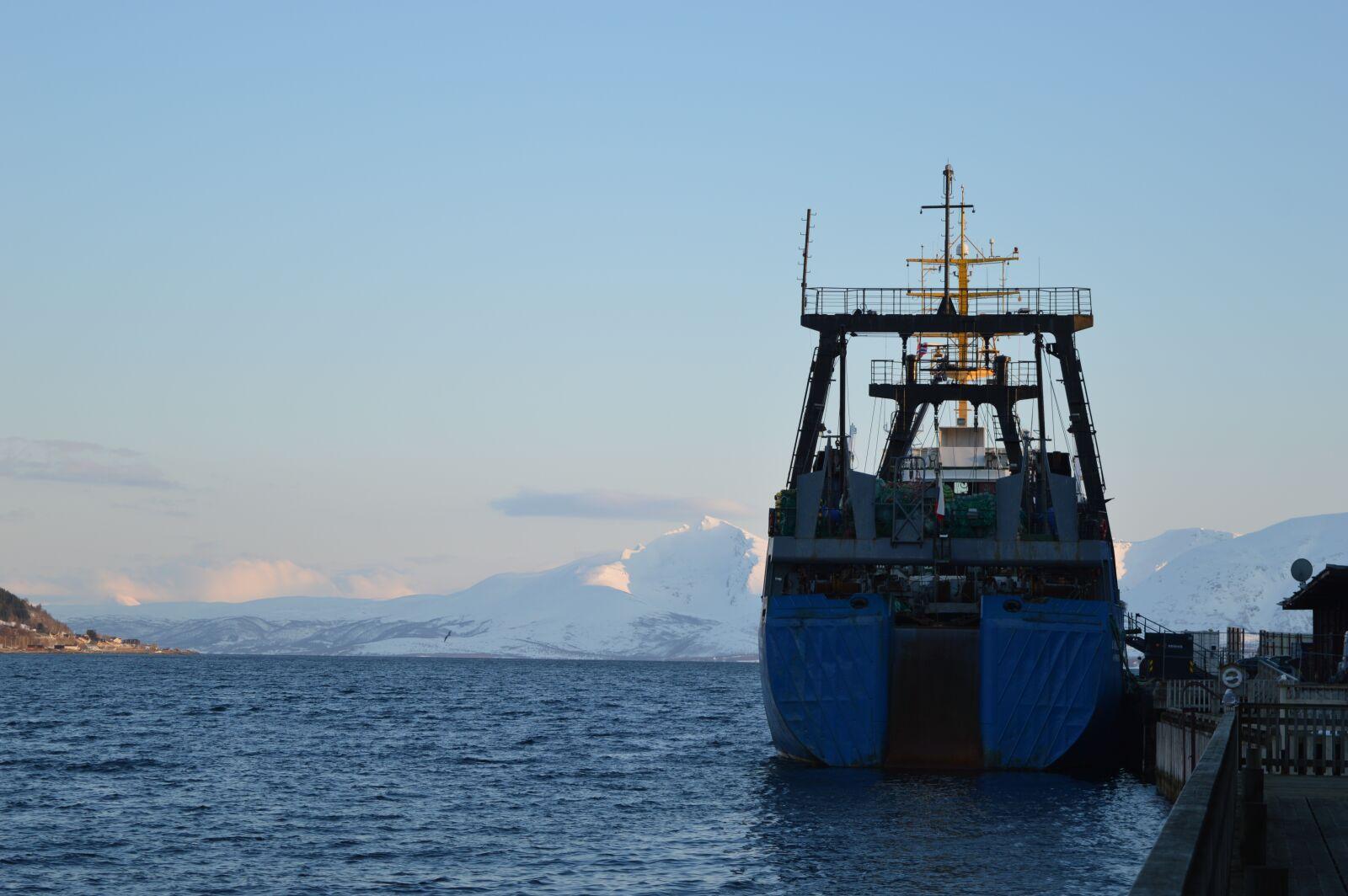 "Nikon D3200 sample photo. ""Water, sea, ship"" photography"