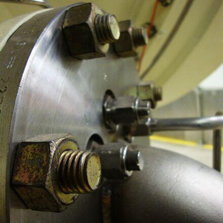 industrial, flange, bolt, Sony DSC-W230