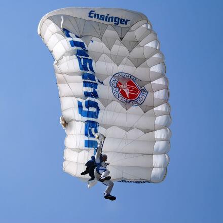 parachutist, sky, Nikon D40X