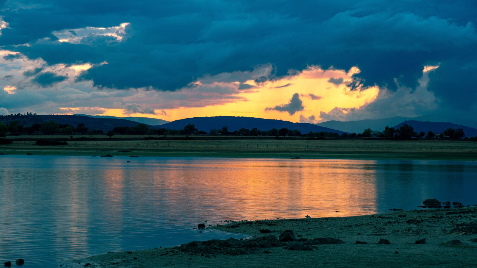 "Sony a6500 sample photo. ""Sunset, lake, banks"" photography"
