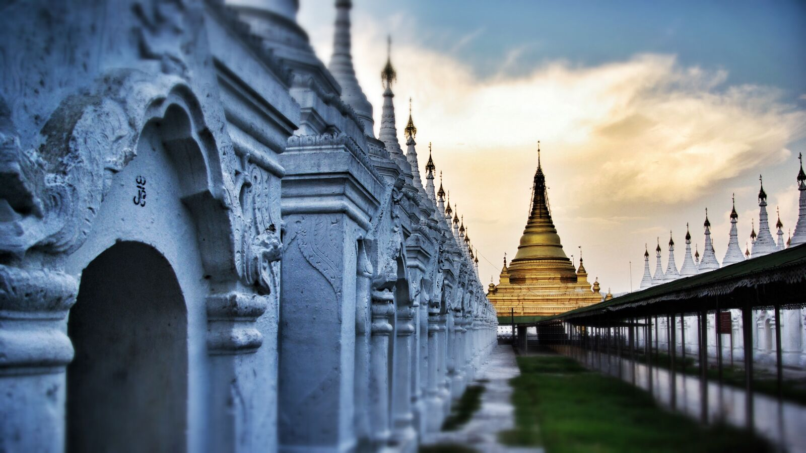 "Pentax K10D sample photo. ""Temple, buddhism, mandalay"" photography"