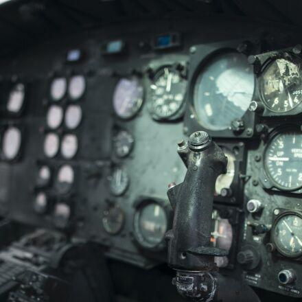 helicopter, huey, cockpit, Canon EOS 70D
