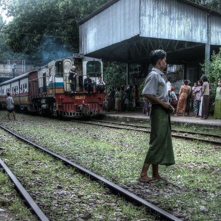 platform, train, train track, Fujifilm FinePix S5000