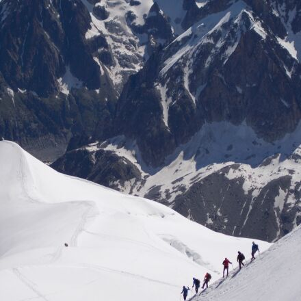mountain, climbers, landscape, Nikon COOLPIX L29