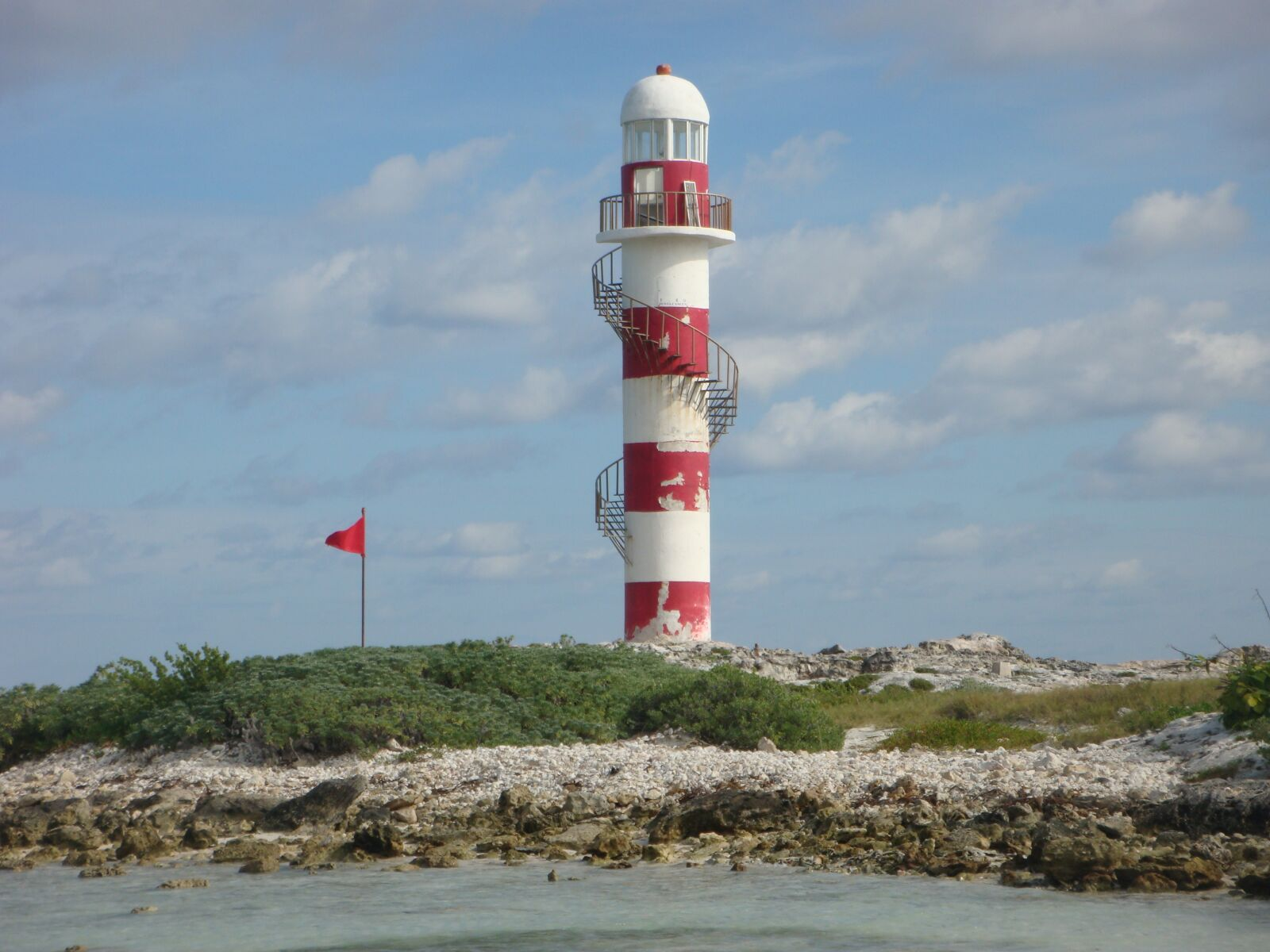 "Sony DSC-T300 sample photo. ""Lighthouse, cancun, caribbean"" photography"