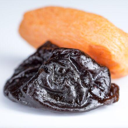 dried apricots, prunes, dried, Fujifilm X-T1