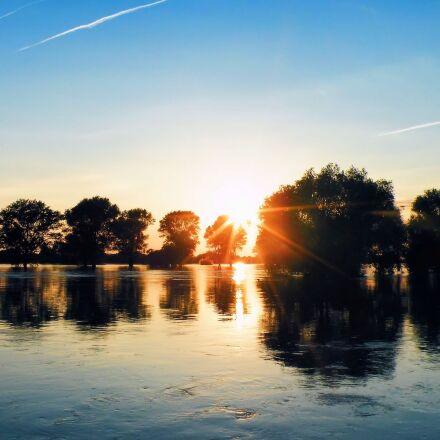high water, trees, sunrise, Fujifilm FinePix S8100fd