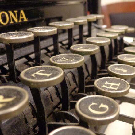 typewriter, antique, old, Sony DSC-W690
