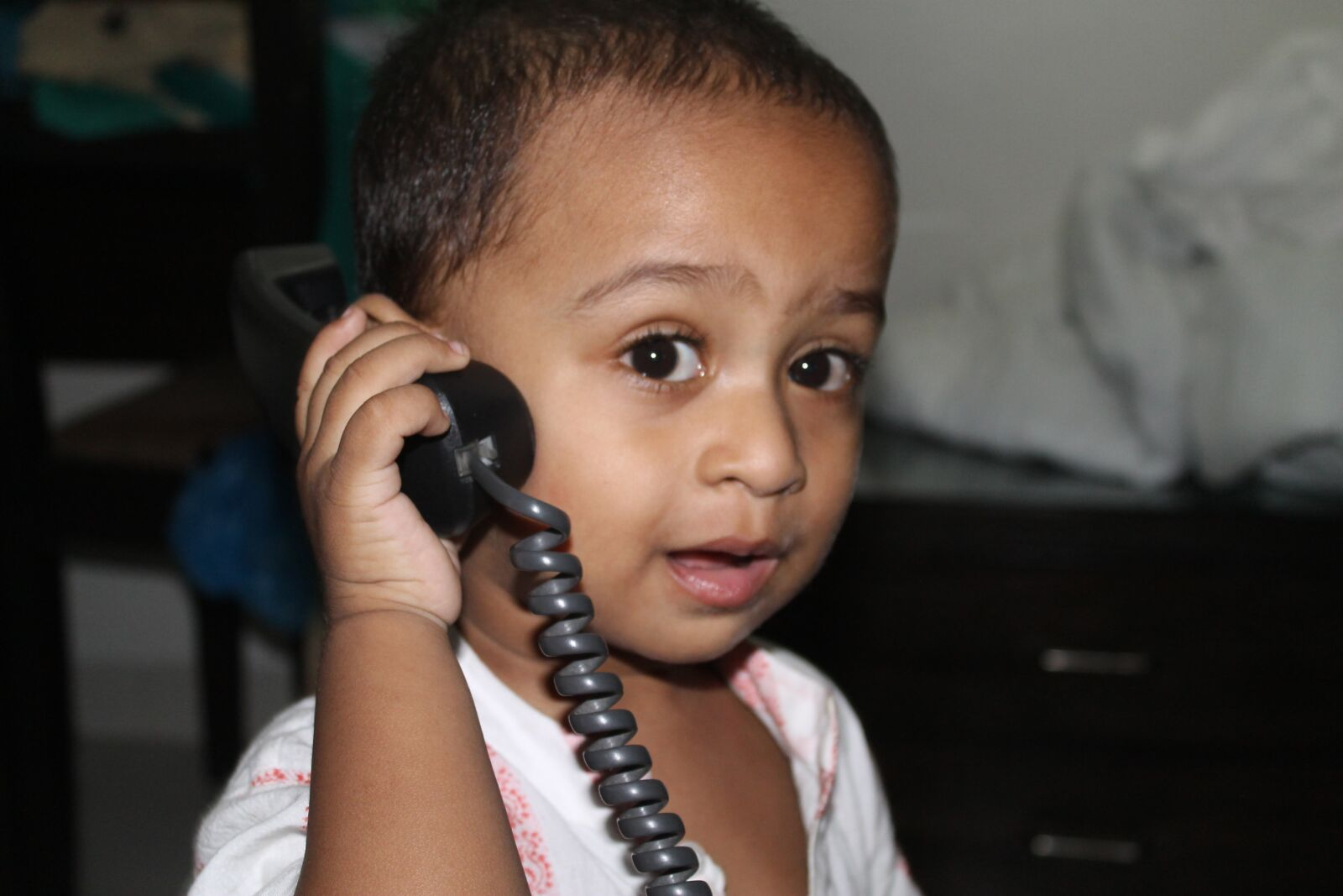 """Canon EOS 1100D (EOS Rebel T3 / EOS Kiss X50) sample photo. """"Child, telephone, reality"""" photography"""