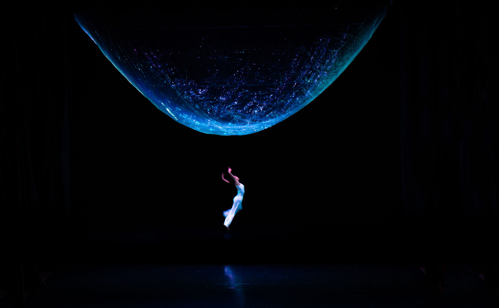 "Sony Alpha NEX-7 sample photo. ""Dance"" photography"