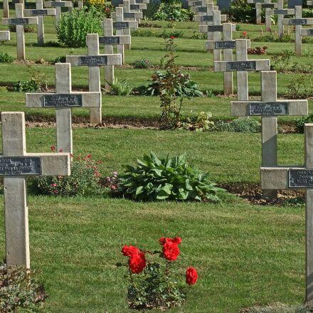 graves, headstone, cross, Fujifilm FinePix JZ510
