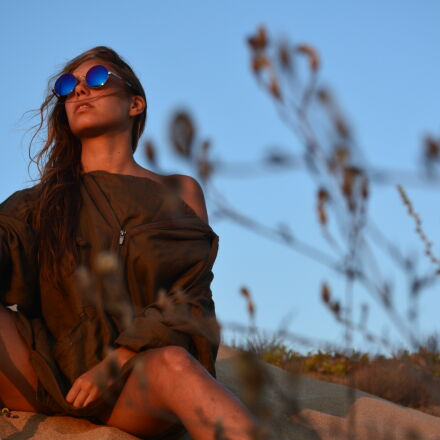 woman, in, brown, shirt, Nikon D7100