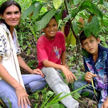 colombian, women, farmer, two, Sony DSC-S500