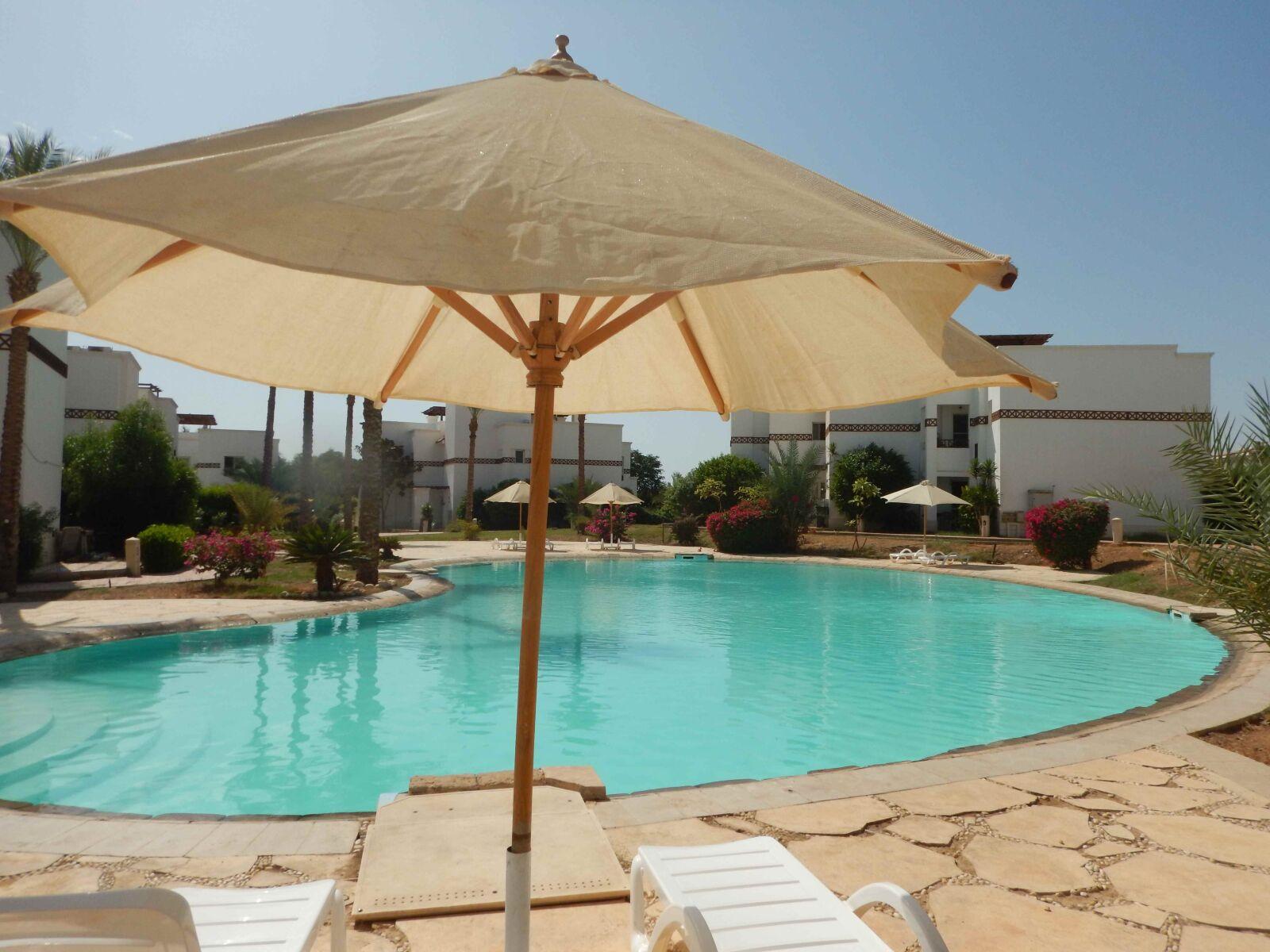 "Nikon Coolpix AW120 sample photo. ""Pool, resort, vacation"" photography"
