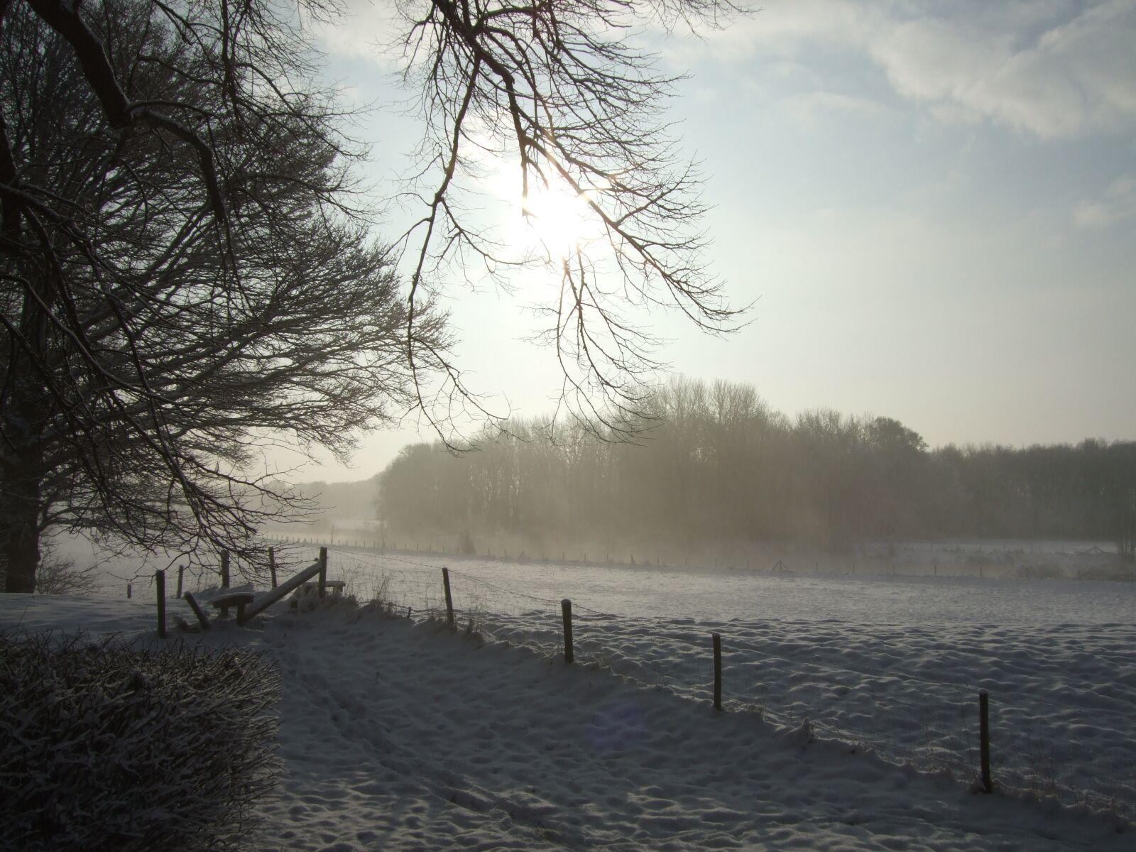 "Fujifilm FinePix F47fd sample photo. ""Winter landscape, snow, snowy"" photography"