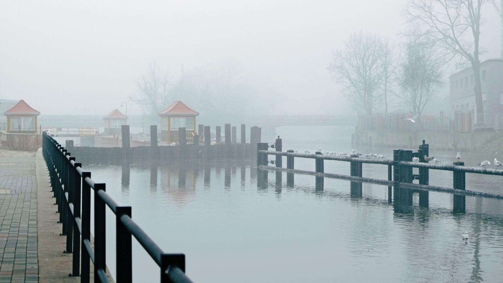 "Fujifilm X-E1 sample photo. ""Bydgoszcz, lock, the fog"" photography"