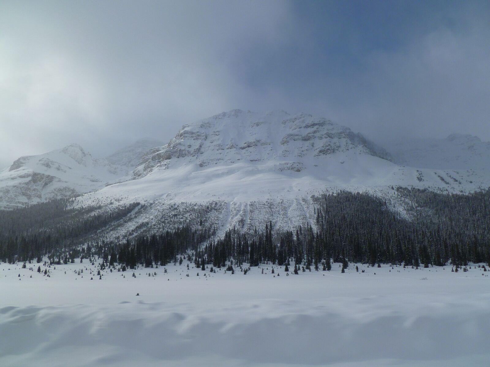"Panasonic DMC-FH20 sample photo. ""Snowy mountain, mysterious mountain"" photography"