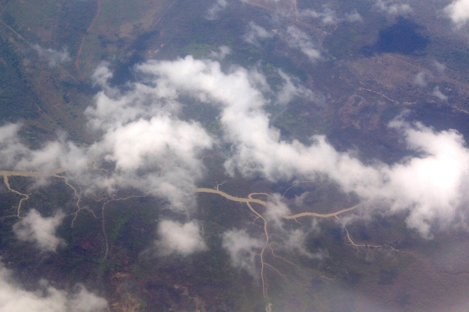 "Canon EOS 70D sample photo. ""River across green country"" photography"