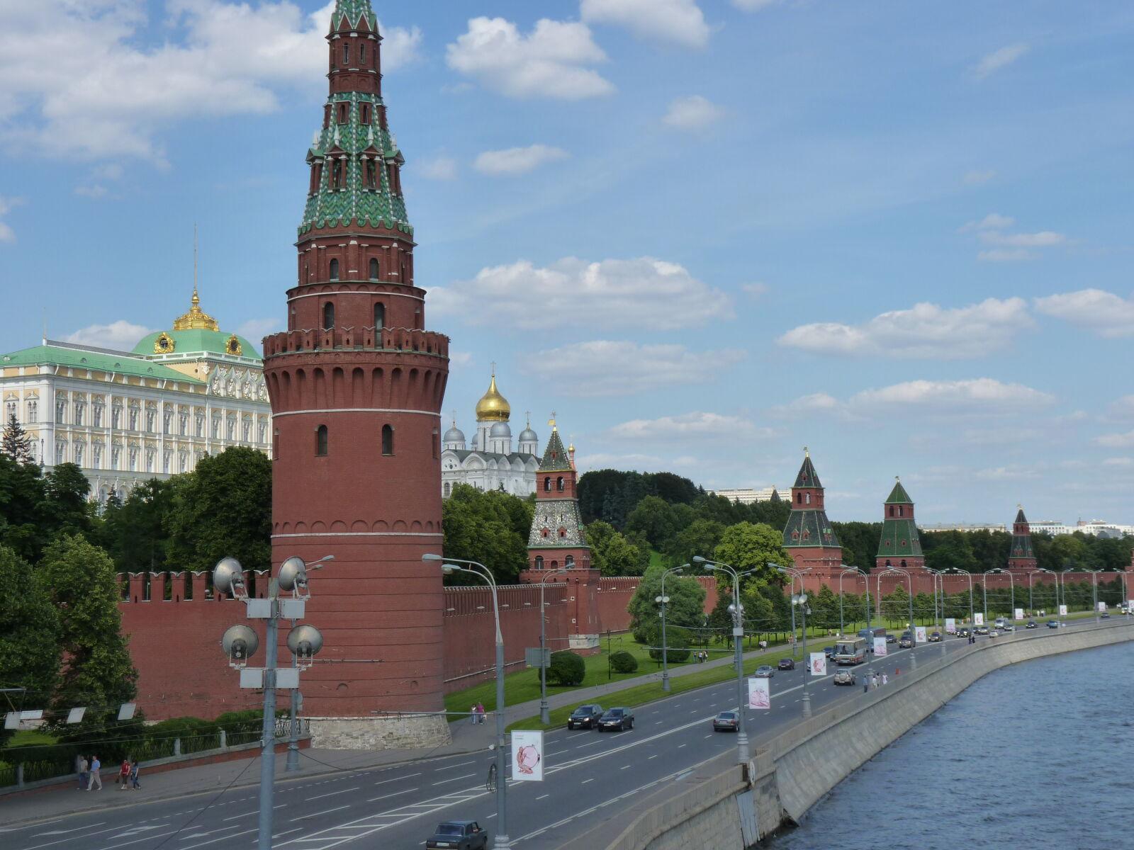 "Panasonic DMC-FZ38 sample photo. ""Moscov"" photography"