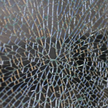 glass, rip, crack, Canon EOS 60D