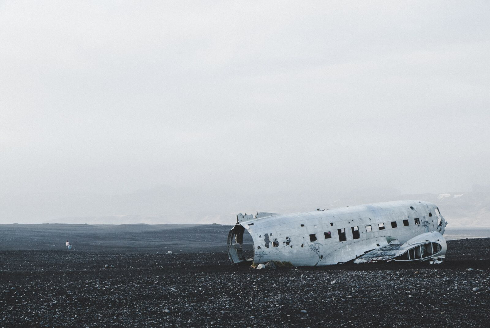 """Sony a7S sample photo. """"Plane wreck, beach, iceland"""" photography"""