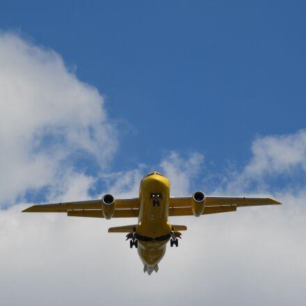 flyer, aircraft, landing, Nikon COOLPIX B700