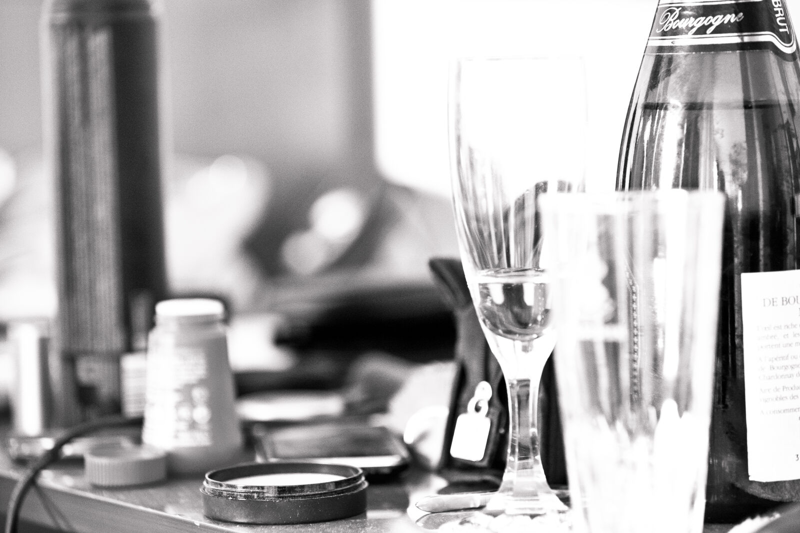 bride, champagne, hotel, room photography