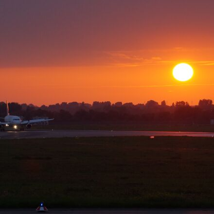 sunset, airport, flying, Sony SLT-A57