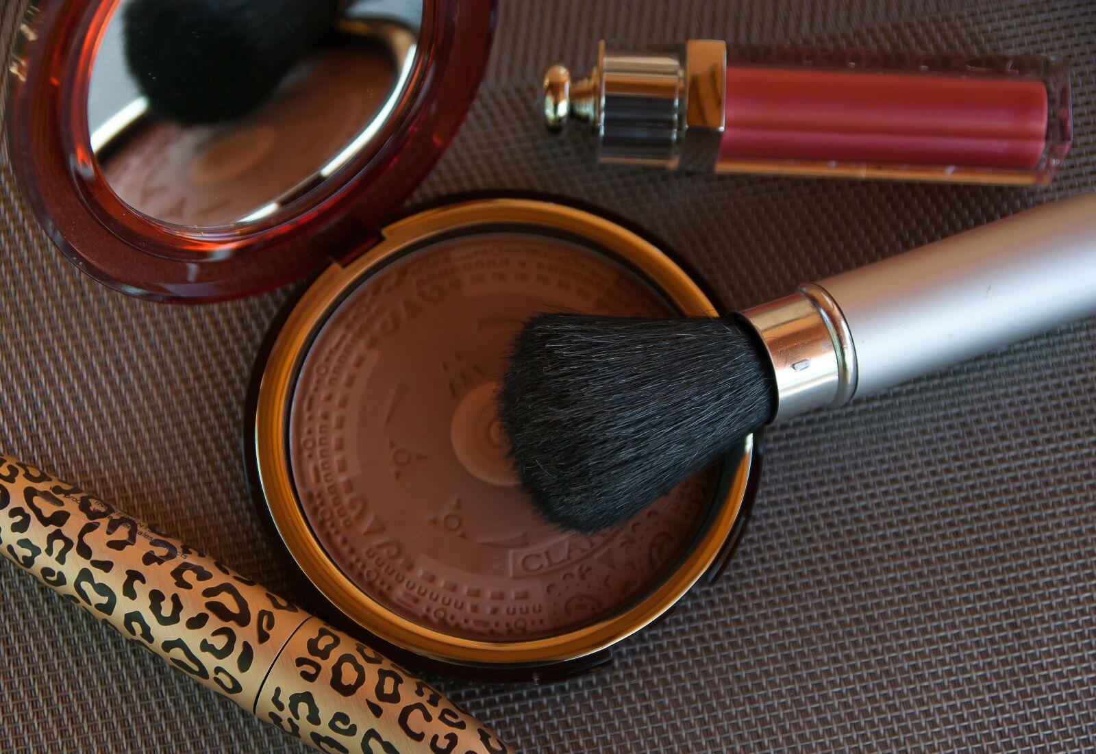 """Pentax K10D sample photo. """"Makeup, mascara, powder"""" photography"""