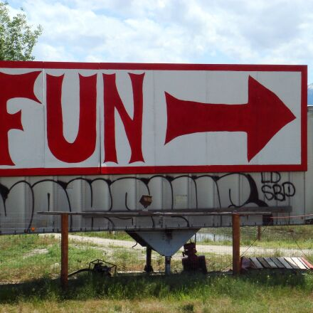 fun, billboard, sign, Sony DSC-T10