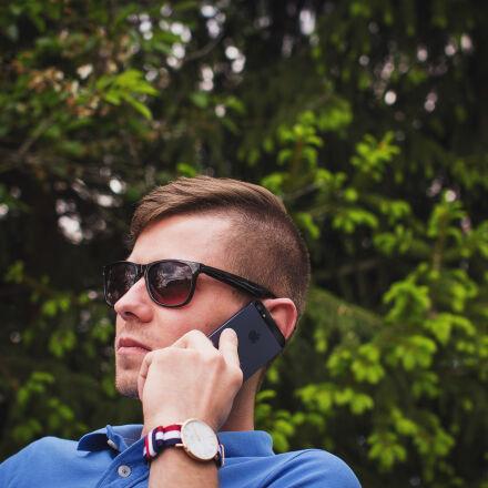 man, talking, iphone, sunglasses, Canon EOS 60D