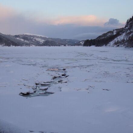 lake, ice, frozen, Fujifilm FinePix S100FS