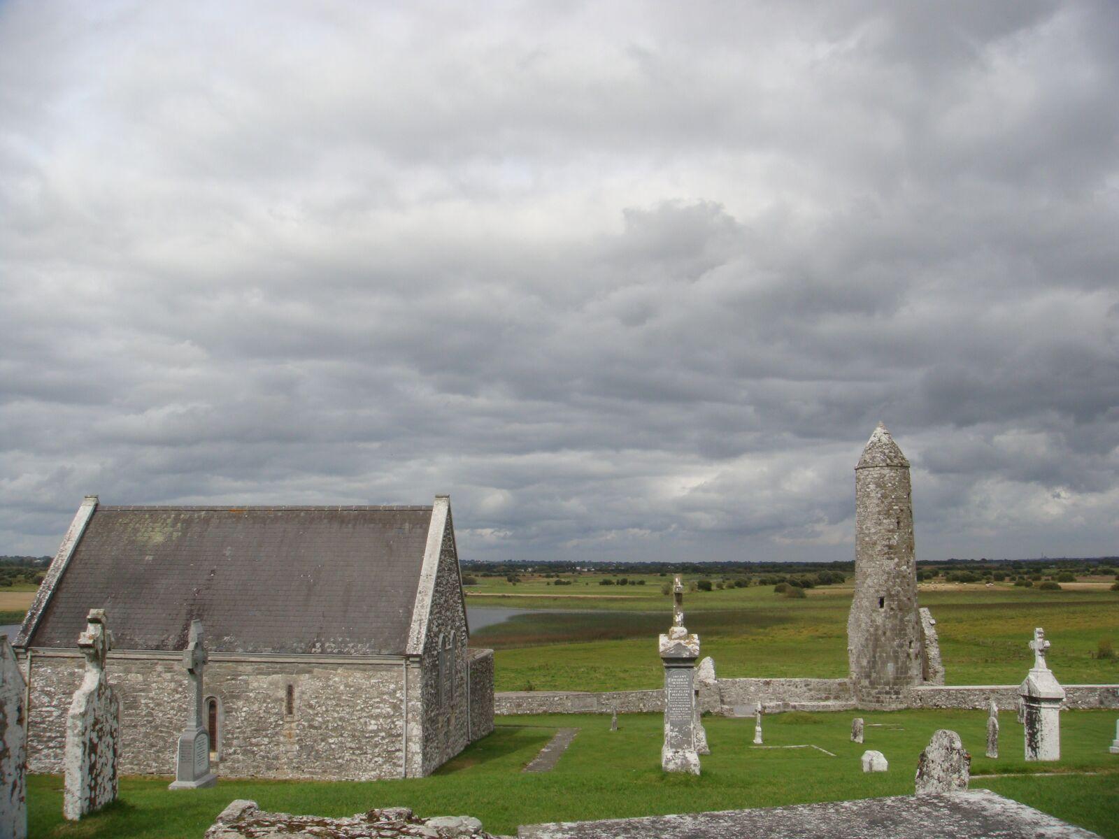 "Sony DSC-T300 sample photo. ""Ireland, the celts, church"" photography"