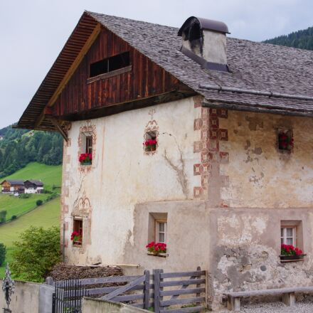 house, roof, ornament, Sony ILCA-77M2