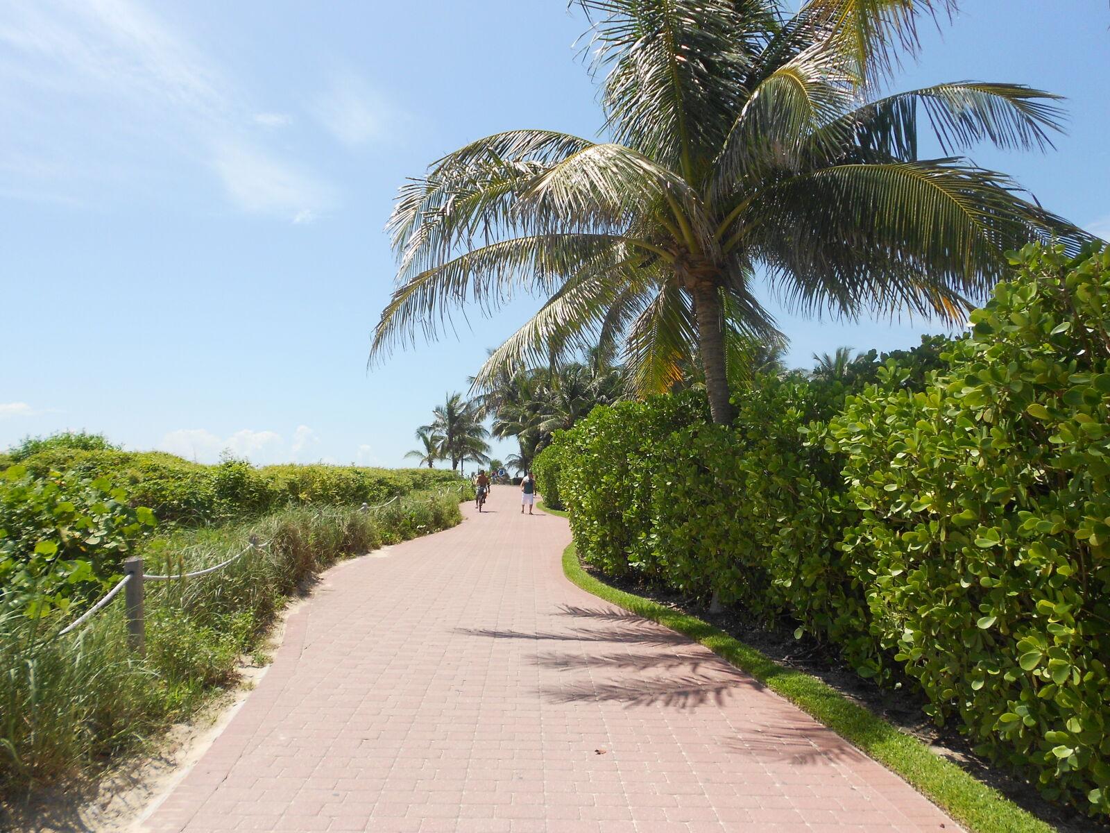 "Nikon COOLPIX S4150 sample photo. ""Beach, florida, footpath, miami"" photography"