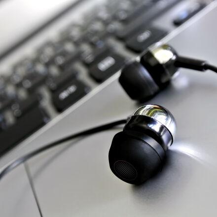 audifonos, gigas, headphones, laptop, Nikon 1 J1