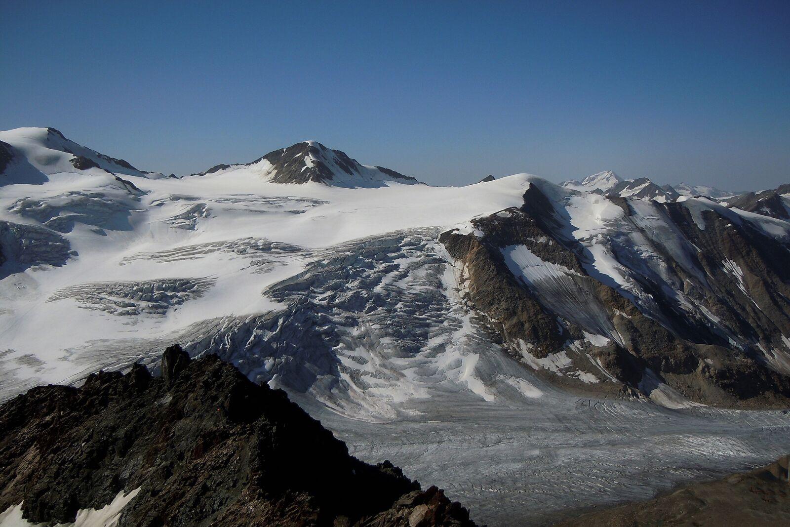 "Nikon Coolpix S8000 sample photo. ""Mountain, snow, panorama"" photography"
