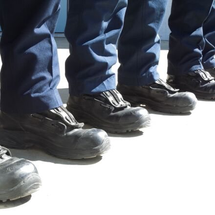 safety boots, stand, squad, RICOH PENTAX K-S2