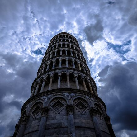 arches, leaning tower of, Fujifilm X-T1