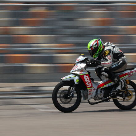 motorcycle, racer, on, silver, Canon EOS 60D