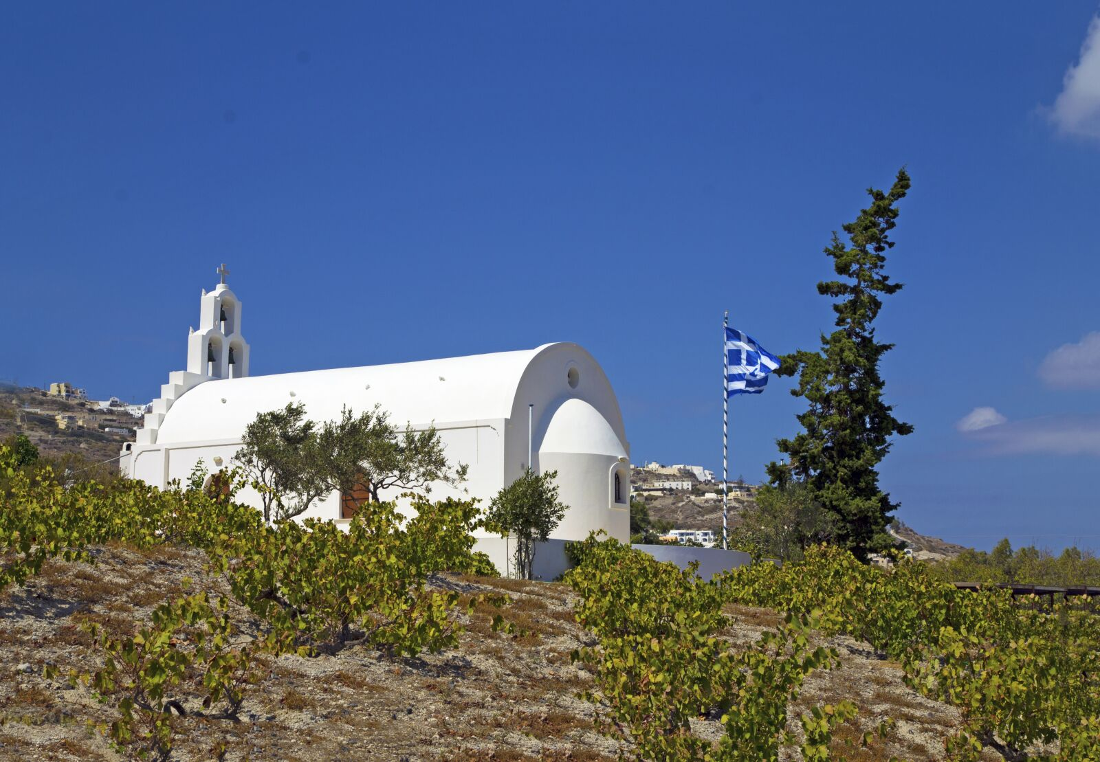 "Canon EOS 1100D (EOS Rebel T3 / EOS Kiss X50) sample photo. ""Santorini, chapel, inside corner"" photography"
