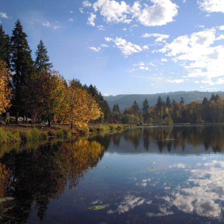 lake, autumn leaves, fall, Nikon COOLPIX S5100