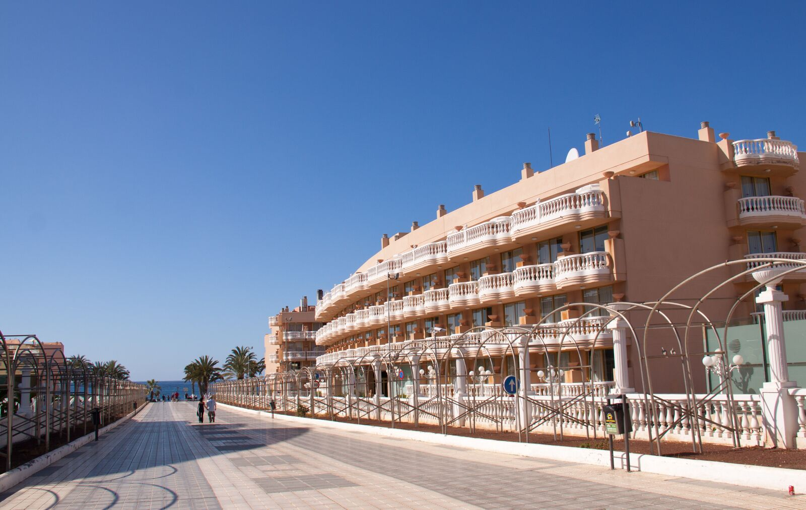 "Canon EOS 50D sample photo. ""Hotel, promenade, sky"" photography"