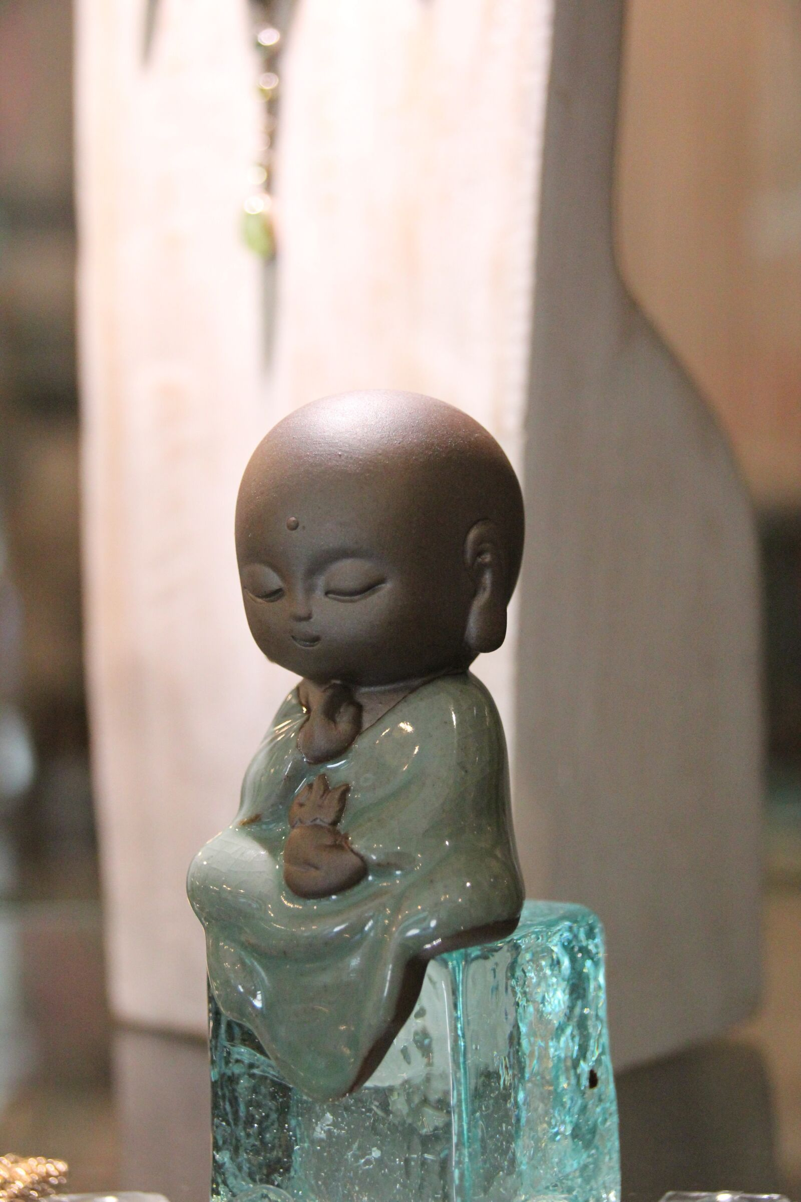 "Canon EOS 600D (Rebel EOS T3i / EOS Kiss X5) sample photo. ""Sweet monk, buddha, meditate"" photography"