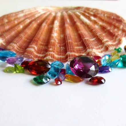 gemstones, ruby, emerald, Canon POWERSHOT ELPH 110 HS