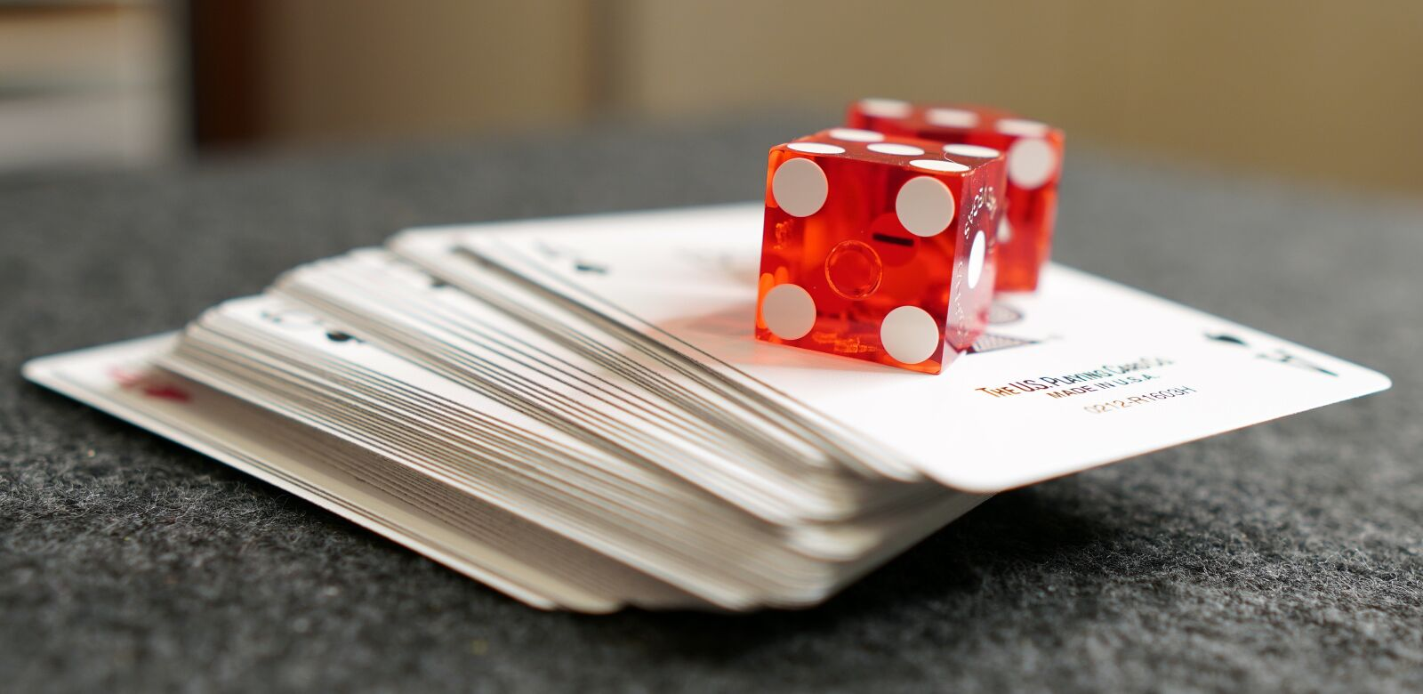 """Sony a6400 sample photo. """"Deck of cards, playing"""" photography"""